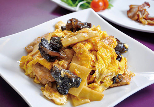豚肉・卵・キクラゲ炒めランチ